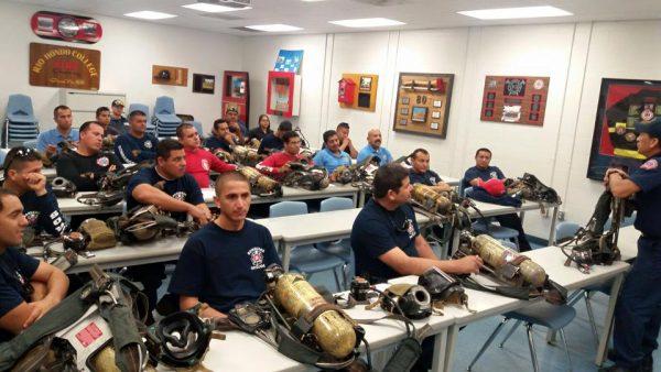 Bomberos Amigos en colaboración con Departamento de bomberos de la Ciudad de Santa Fe, Springs, California.